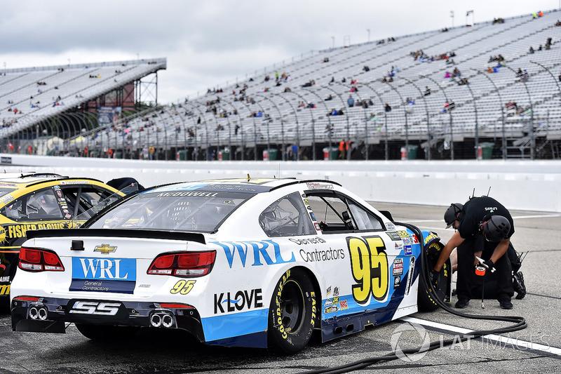 Michael McDowell, Leavine Family Racing Chevrolet crew
