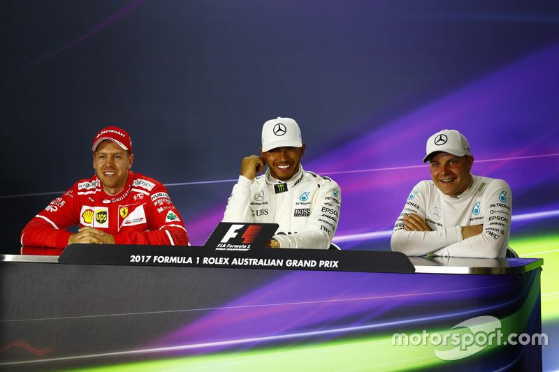 Sebastian Vettel, Ferrari; Lewis Hamilton, Mercedes AMG F1; und Valtteri Bottas, Mercedes AMG F1