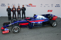 Franz Tost, Toro Rosso, Temchef; Daniil Kvyat, Carlos Sainz Jr., Scuderia Toro Rosso STR12, James Key, Scuderia Toro Rosso Technical Director