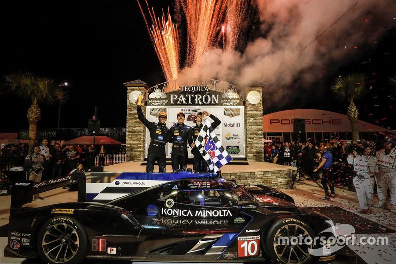 1. #10 Wayne Taylor Racing, Cadillac DPi: Ricky Taylor, Jordan Taylor, Alex Lynn