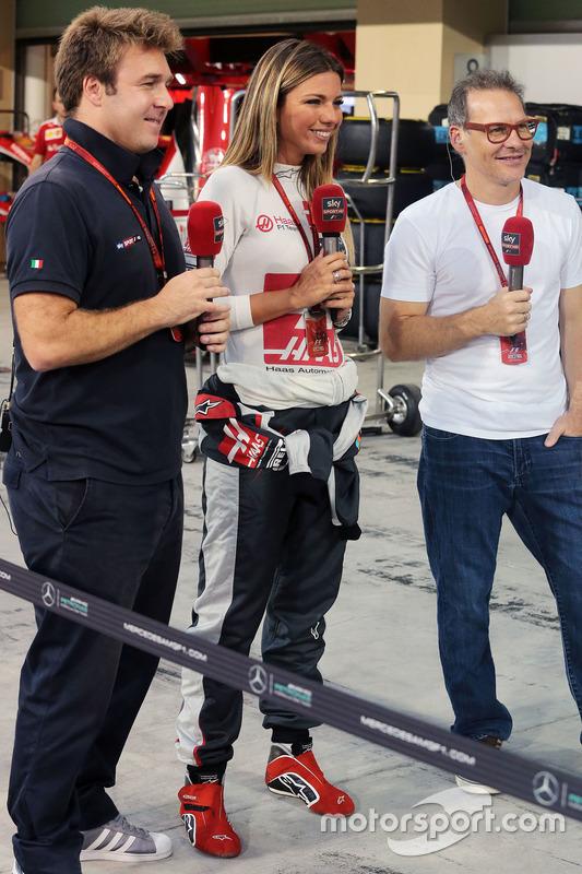 Давіде Вальсеккі, журналіст Sky F1 Italia та Федеріка Масолін, журналіст Sky F1 Italia та Жак Вільнь