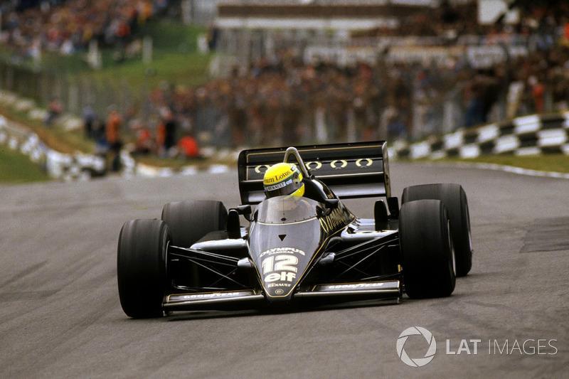 21º: Ayrton Senna, Lotus 97T, Brands Hatch 1985. Tiempo: 1:07.169