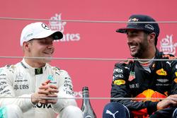 Подиум: победитель Валттери Боттас, Mercedes AMG F1, третье место – Даниэль Риккардо, Red Bull Racing