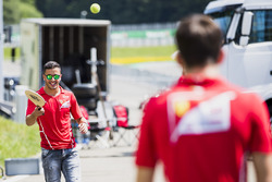 Antonio Fuoco, PREMA Powerteam y Charles Leclerc, PREMA Powerteam