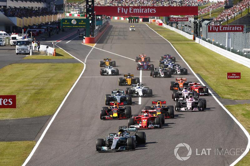 Arrancada: Lewis Hamilton, Mercedes-Benz F1 W08 líder