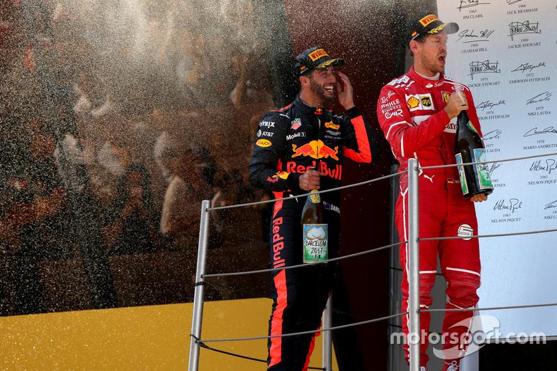 Подіум: друге місце - Себастьян Феттель, Ferrari, третє місце - Даніель Ріккардо, Red Bull Racing