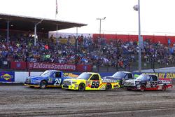 Start: Chase Briscoe, Brad Keselowski Racing Ford, Matt Crafton, ThorSport Racing Toyota