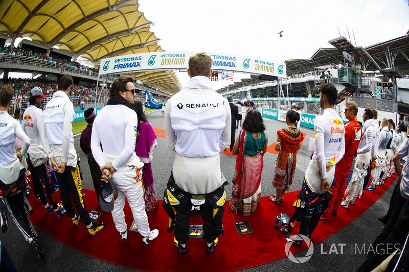 Fernando Alonso, McLaren, Nico Hulkenberg, Renault Sport F1 Team, Daniel Ricciardo, Red Bull Racing,