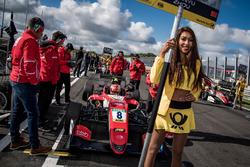 Chica de la parrilla, Guan Yu Zhou, Prema Powerteam, Dallara F317 - Mercedes-Benz