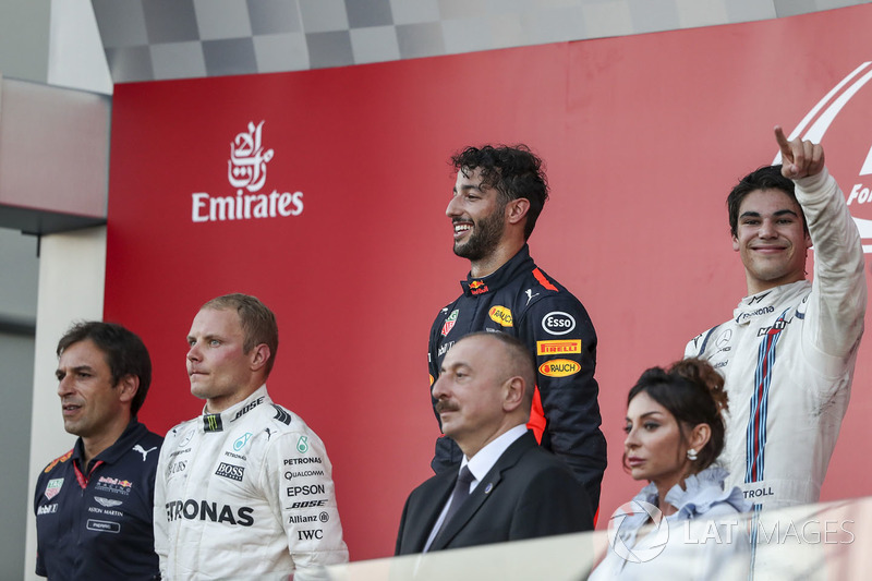 Pierre Wache, Red Bull Racing, Valtteri Bottas, Mercedes AMG F1, Daniel Ricciardo, Red Bull Racing y