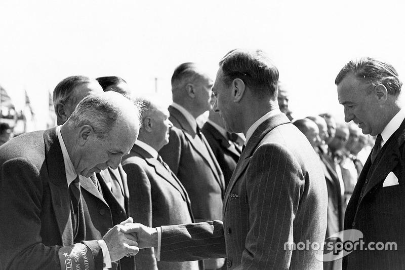Почесний гість Гран Прі Великої Британії - король Георг VI