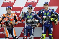 Pole, Jorge Lorenzo, Yamaha Factory Racing, segundo, Marc Márquez, Repsol Honda Team, tercero, Valentino Rossi, Yamaha Factory Racing