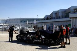 Kazalı araç, #1 Hofor-Racing Mercedes-AMG GT3: Michael Kroll, Chantal Kroll, Roland Eggimann, Kenneth Heyer, Christiaan Frankenhout