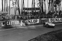 Crash: Alfonso de Portago, Duncan Hamilton, Ferrari 625 LM