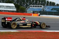 Charles Pic, Lotus E22 con neumáticos Pirelli de 18 pulgadas