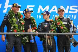 Podium LMGTE Am : les vainqueurs Christian Ried, Julien Andlauer, Matt Campbell, Proton Competition