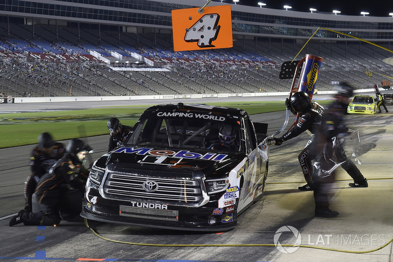Todd Gilliland, Kyle Busch Motorsports, Toyota Tundra Mobil 1, makes a pit stop