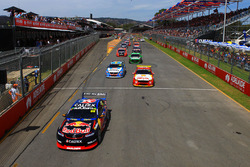 Jamie Whincup, Triple Eight Race Engineering Holden leads