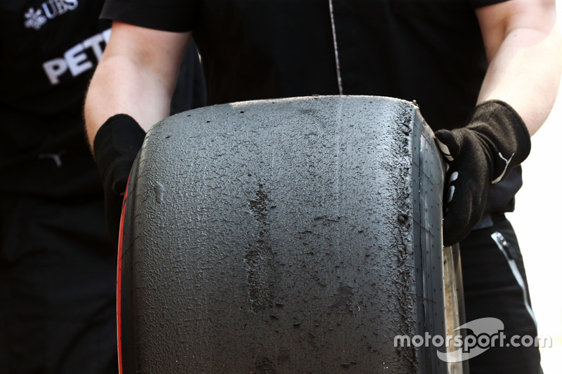 Mercedes AMG F1 Pirelli lastiği