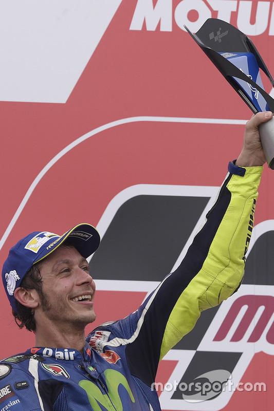 Podium: tweede plaats Valentino Rossi, Yamaha Factory Racing