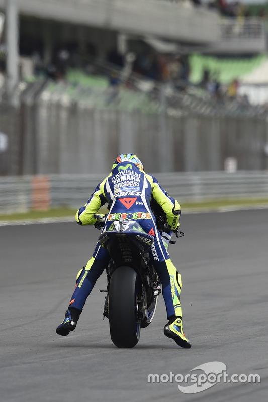 Valentino Rossi, Yamaha Factory Racing, s'entraîne au départ