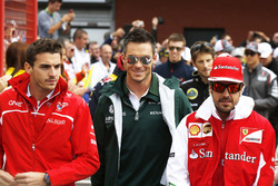 Жюль Бьянки, Marussia F1 Team, Андре Лоттерер, Caterham F1, и Фернандо Алонсо, Ferrari