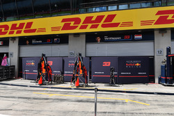 Red Bull Racing pit box and garage screens