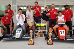 Presley Martono merayakan runner-up MRF 2017-2018 bersama Nazim Azman, pembalap Malaysia.