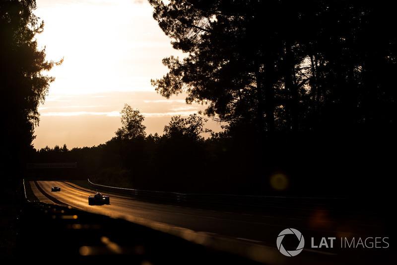 Racen bij zonsondergang