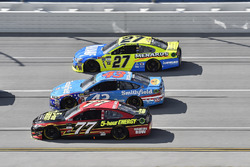 Erik Jones, Furniture Row Racing Toyota, Aric Almirola, Richard Petty Motorsports Ford, Paul Menard, Richard Childress Racing Chevrolet