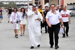 Шейх Салман бин Иса Аль-Халифа и исполнительный директор McLaren Зак Браун