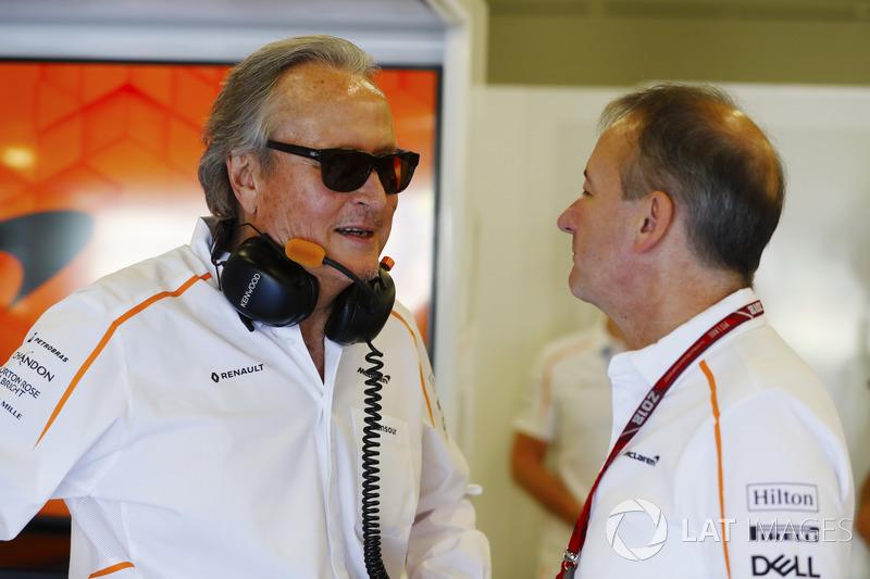 Mansour Ojjeh, co-proprietario, McLaren, e Jonathan Neale, Managing Director, McLaren