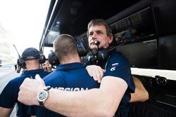 Команда RUSSIAN TIME празднует победу в чемпионате
