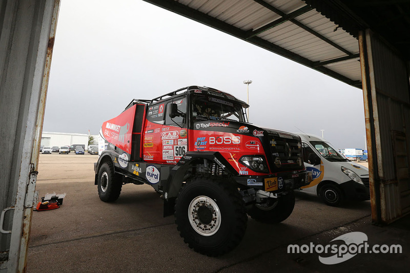 2018 40º Rallye Raid Dakar Perú - Bolivia - Argentina [6-20 Enero] Dakar-teams-transport-to-lima-2017-teams-prepare-in-le-havre-for-the-long-trip-to-lima-per