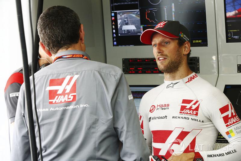 Guenther Steiner, director Haas F1 Team, Romain Grosjean, Haas F1 Team