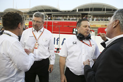 Ross Brawn, Managing Director del Motorsport, FOM, Zak Brown, Direttore Esecutivo, McLaren Technolog