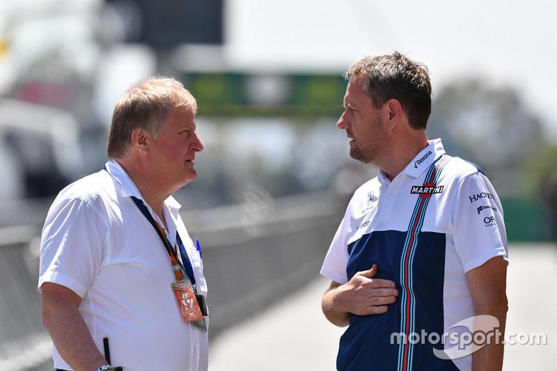 Технический делегат FIA Джо Бауэр и спортивный менеджер Williams F1 Стив Нильсон
