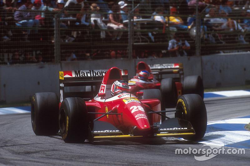 Gerhard Berger, Ferrari F93A devant Jean Alesi, Ferrari F93A