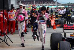 Esteban Ocon, Sahara Force India et Sergio Perez, Sahara Force India dans le Parc Fermé