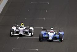 Takuma Sato, Andretti Autosport, Honda; Zach Veach, A.J. Foyt Enterprises, Chevrolet