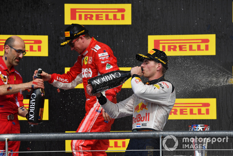 Podio: Carlo Santi, ingeniero de Ferrari Podio segundo lugar Max Verstappen, Red Bull Racing, ganador de la carrera Kimi Raikkonen, Ferrari