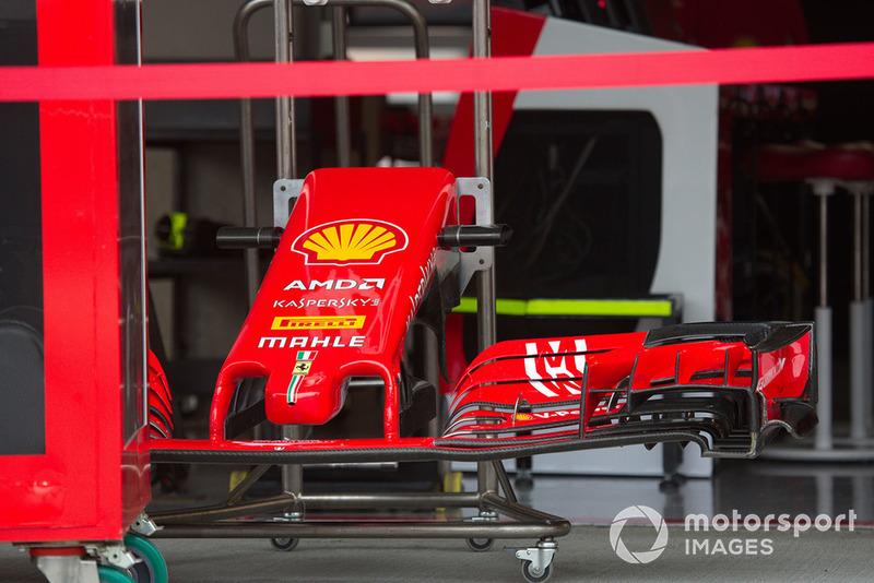 Переднє антикрило Ferrari SF71H з новою лівреєю