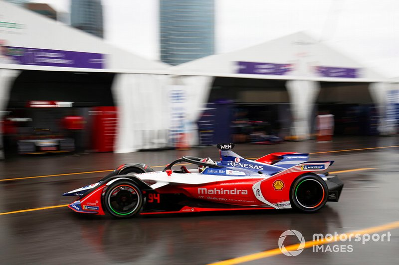 Pascal Wehrlein, Mahindra Racing, M5 Electro exits the pit lane