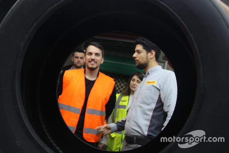 Salih Yoluç ve Pirelli Motorsport Türkiye ekibi