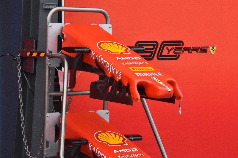 Ferrari SF90 ön kanat detayı