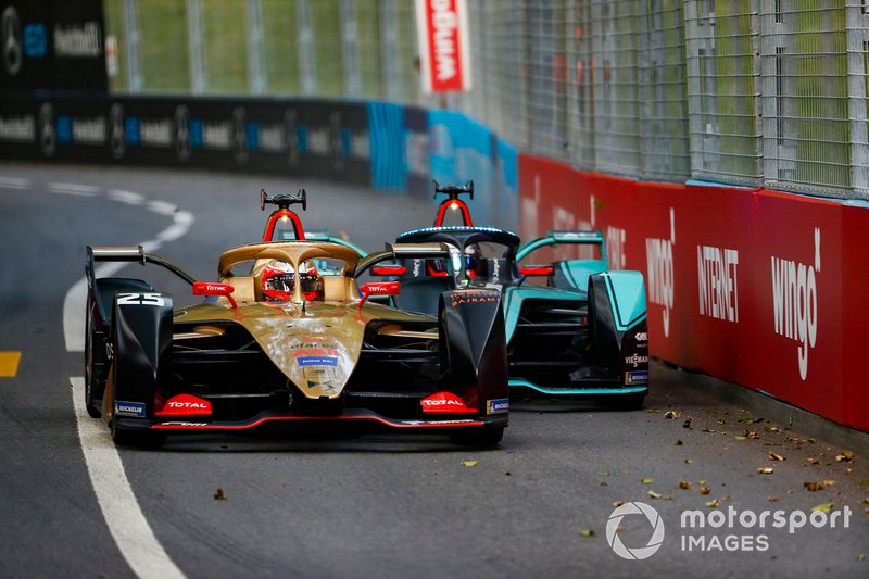 Jean-Eric Vergne, DS TECHEETAH, DS E-Tense FE19 an lutte avec Mitch Evans, Panasonic Jaguar Racing, Jaguar I-Type 3