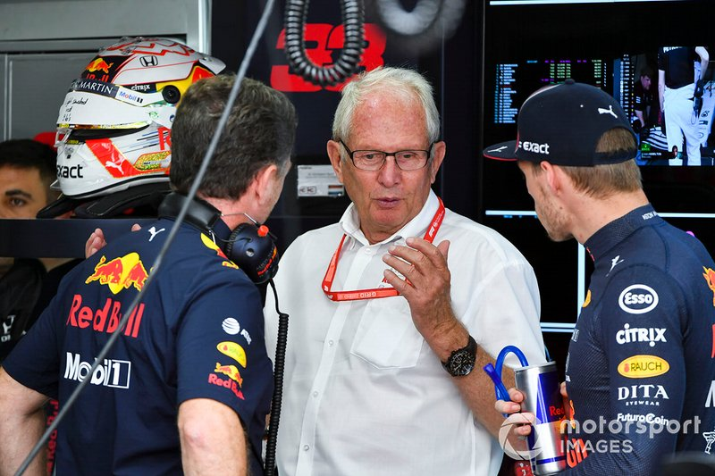 Christian Horner, Team Principal, Red Bull Racing, Helmut Marko, Consultant, Red Bull Racing, and Max Verstappen, Red Bull Racing, in the garage