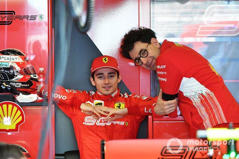 Charles Leclerc, Ferrari y Mattia Binotto, Director del Equipo Ferrari