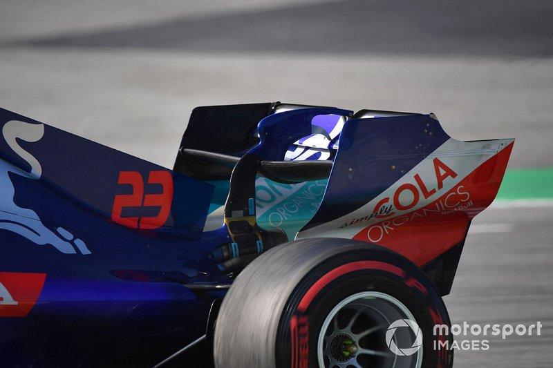 Заднее крыло Toro Rosso STR14
