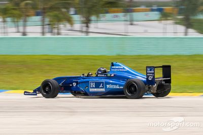 Emerson Fittipaldi Jr prueba en Homestead